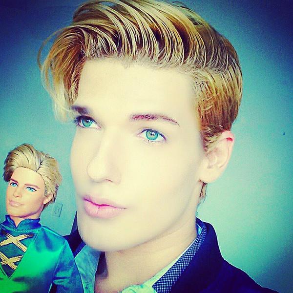Ken doll, Instagram, Celso Santebañes