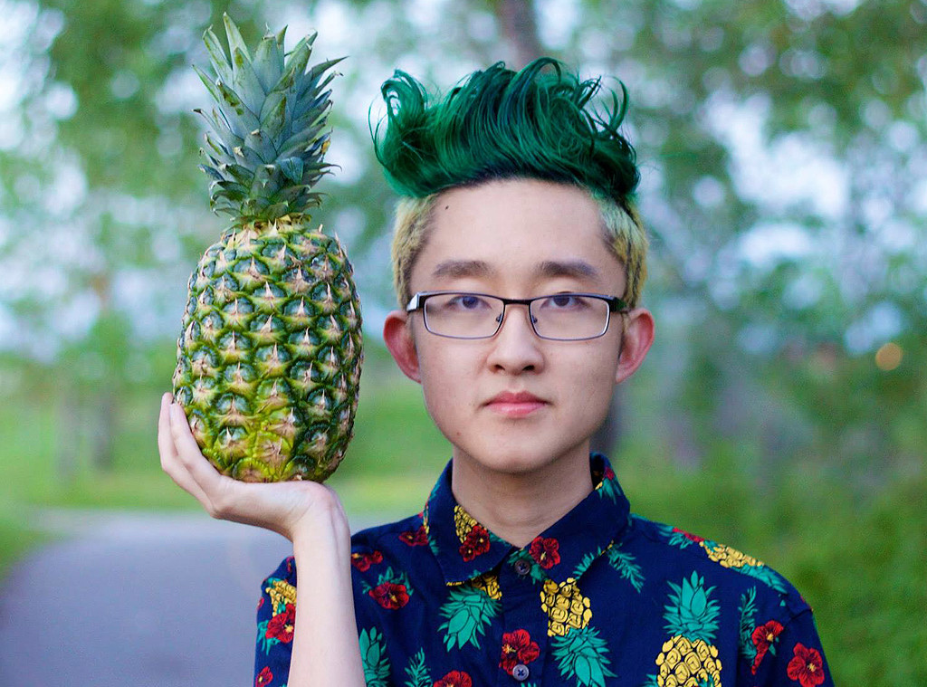 pineapple hair style this boy got a pineapple haircut after losing a bet amp it s 8456