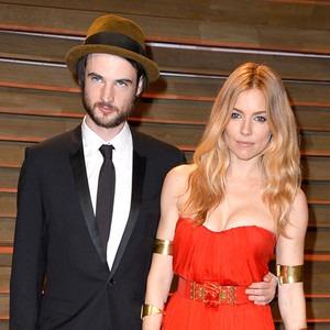 Tom Sturridge, Sienna Miller, Vanity Fair Oscar Party