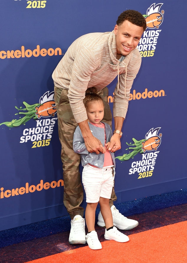 2ed99cf71814 Stephen Curry   Riley Curry from 2015 Kids  Choice Sports Awards Red ...