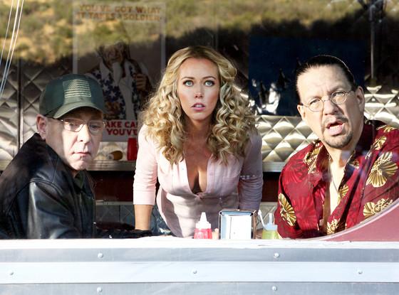 Sharknado 3: Oh Hell No!, Kendra Wilkinson, Penn, Teller