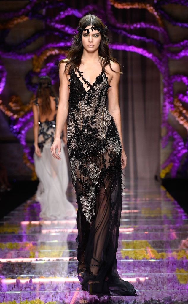 ESC: Kendall Jenner, Atelier Versace Model, Paris Fashion Week