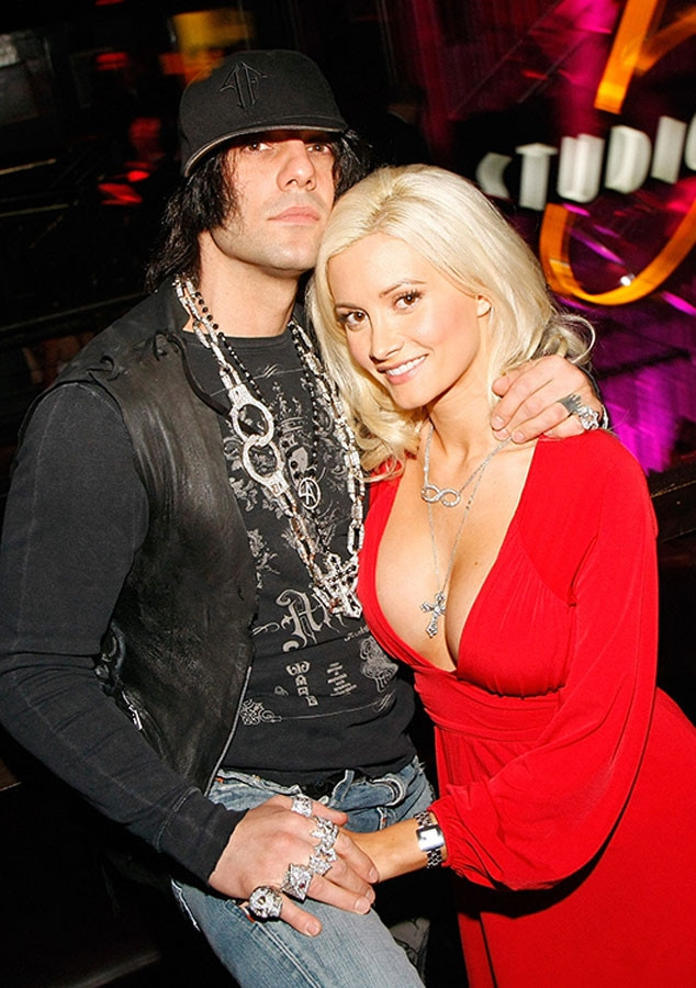 Holly Madison Says Ex Criss Angel Was Insecure Temperamental Scary E Online Ca