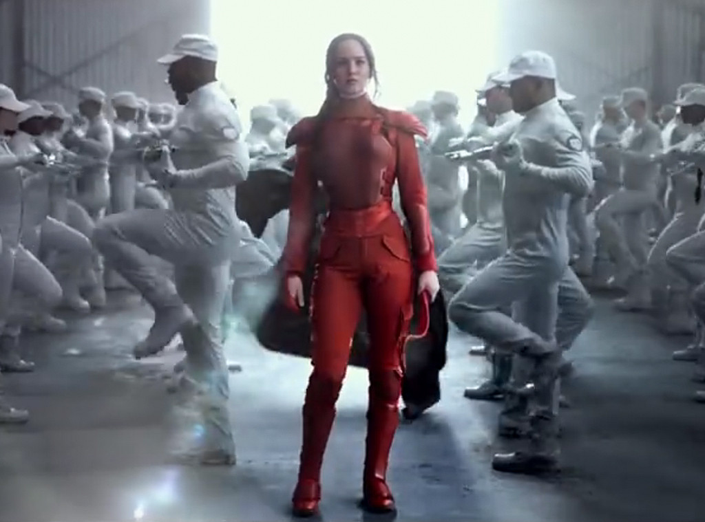 Jennifer Lawrence, Hunger Games Mockingjay, Costumes