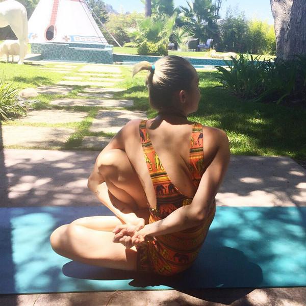 Miley Cyrus, Yoga