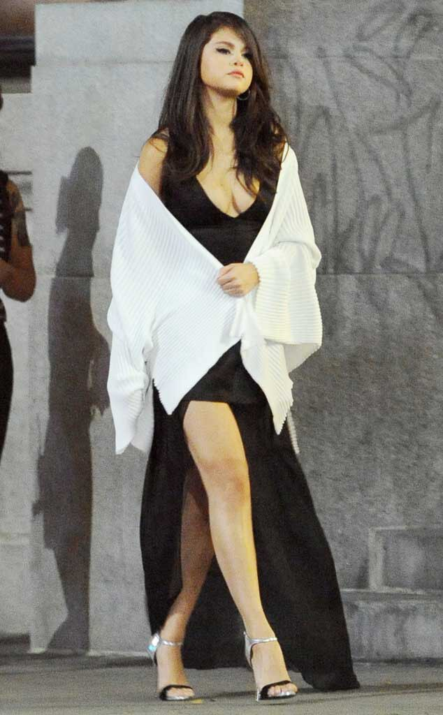 Selena gomez sexy outfits