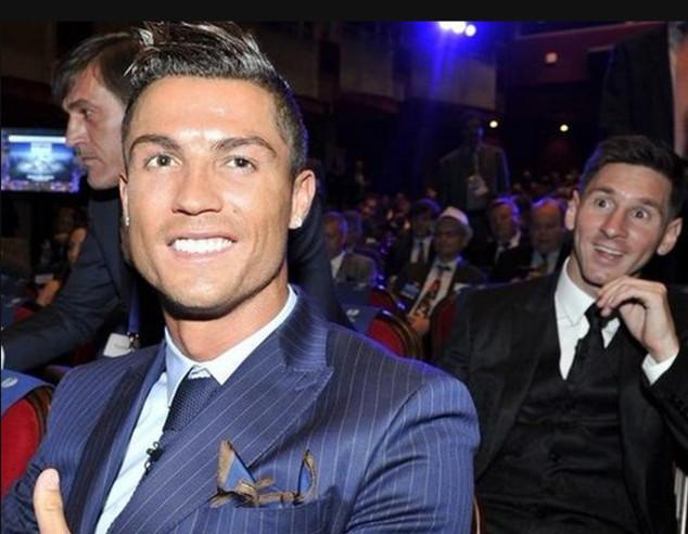 Messi, Cristiano Ronaldo, Photobomb