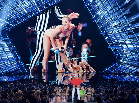 Miley Cyrus, 2015 MTV Video Music Awards, VMA