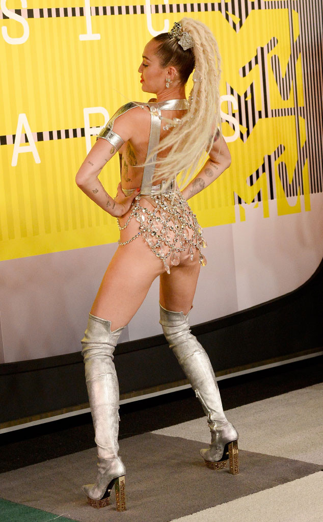 Miley Cyrus Is Practically Naked On The 2015 Mtv Vmas Red -2607