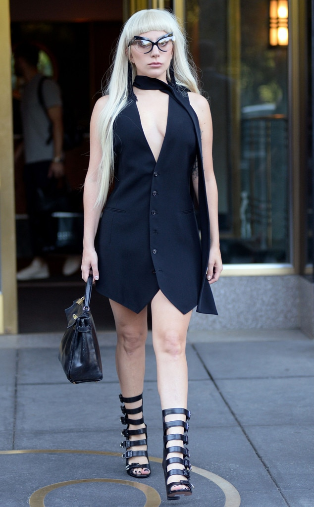 Cat Smize From Lady Gaga 39 S One Of A Kind Street Style E News