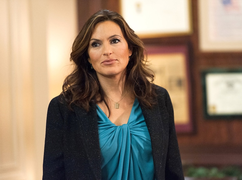 Photos From Mariska Hargitay S Law And Order Svu Hair Through The Years E Online