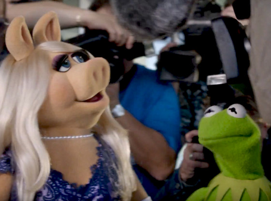 Miss Piggy Uses Kermit for Attention—And Is She Being