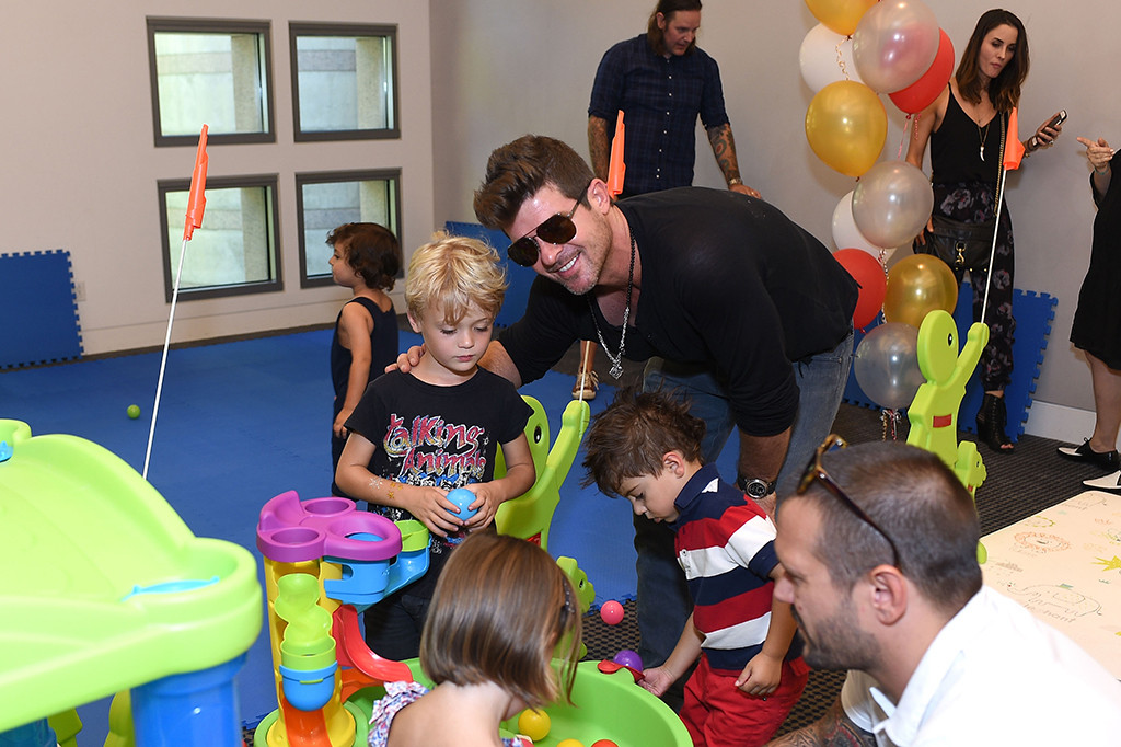 Robin Thicke, 4th Annual Red CARpet Safety Awareness Event