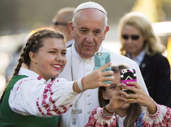 Pope Francis, Selfie