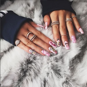 Kylie Jenner, Nails