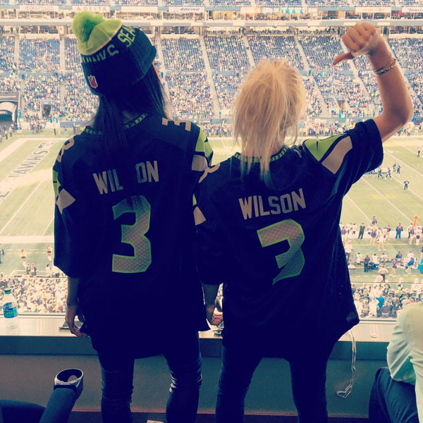 first rate e16e0 76936 Ciara Wears Russell Wilson's Jersey at Seattle Seahawks Game ...