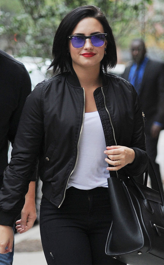 Demi Lovato Reacts To Fans Support After Sexy Nude Photo -7865