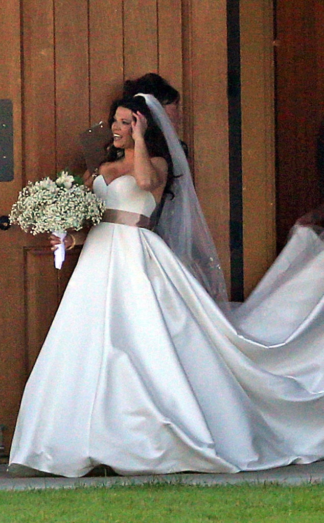 See Amy Duggar S Wedding Dress And Find Out Who Attended Ceremony E Online
