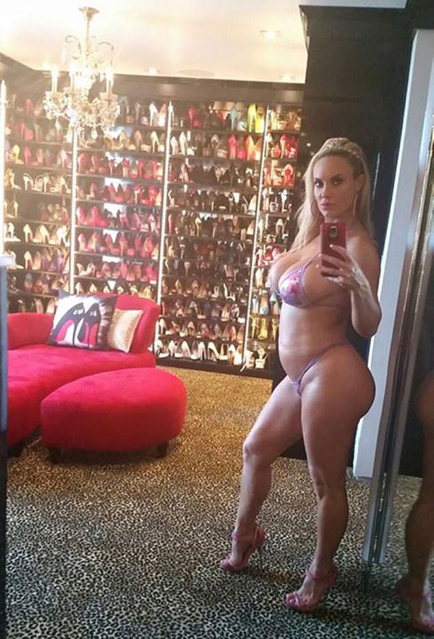 Coco, Bikini