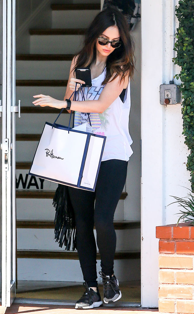 Megan Fox, No Ring, Band Tee