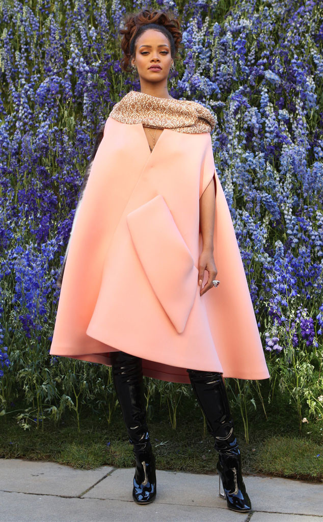 50f197e158d6 Rihanna Is Pink Perfection at Dior s Spring 2016 Show at Paris ...