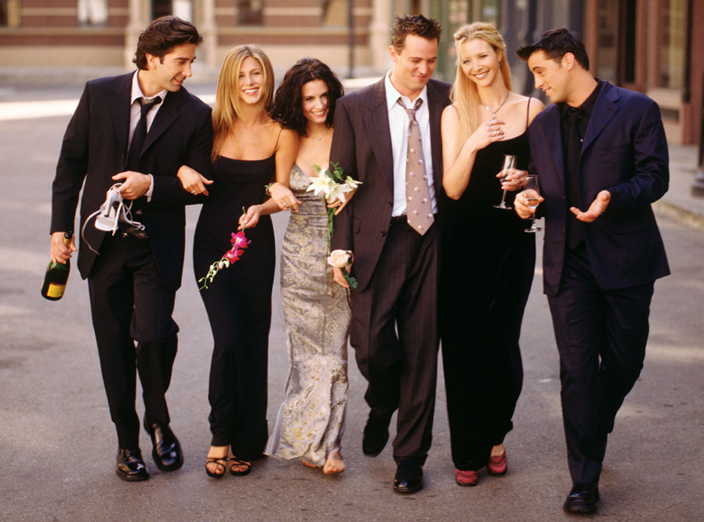 did anyone on the cast of friends hook up