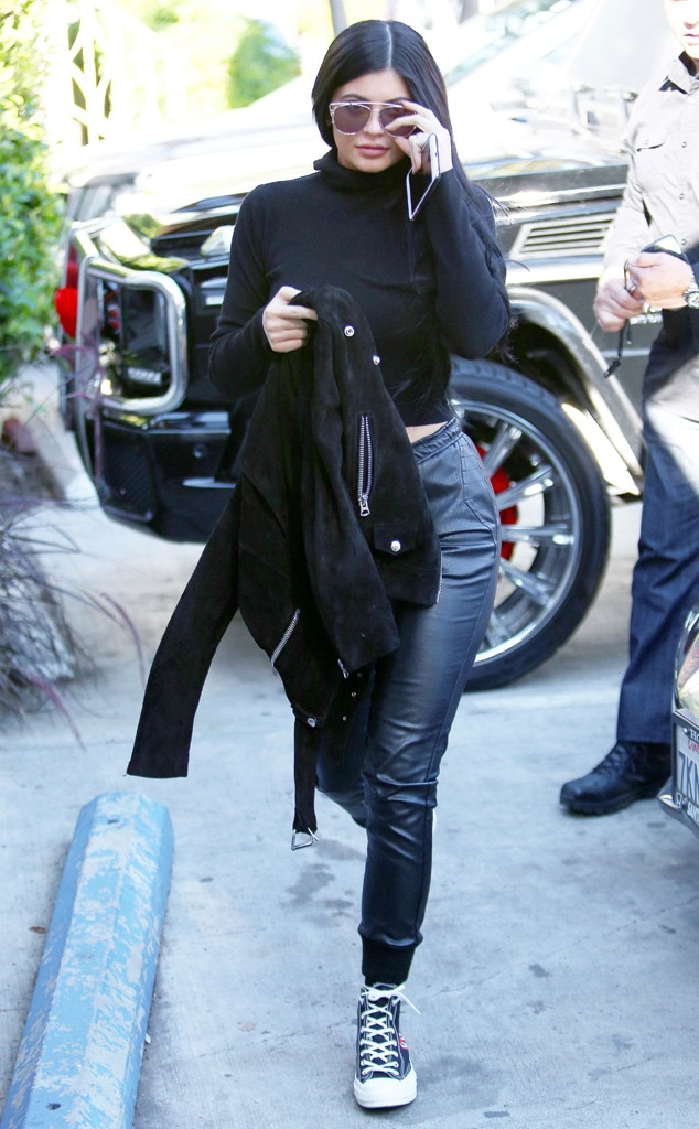 Kylie Jenner From Fashionable Joggers Are A Thing E News