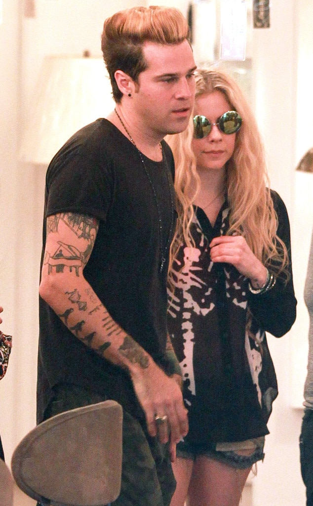 "Avril Lavigne & Ryan Cabrera -  After the ""On the Way Down"" crooner  split with his girlfriend , he bunked with Lavigne, who he's been close pals with for 12 years."