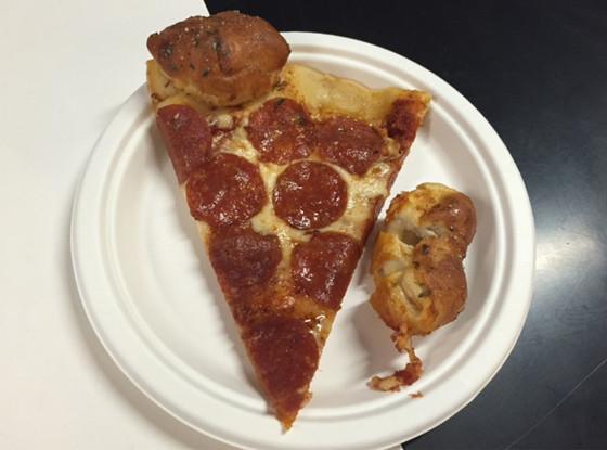 Pizza Hut Garlic Knot Stuffed Crust Pizza, Taste Test