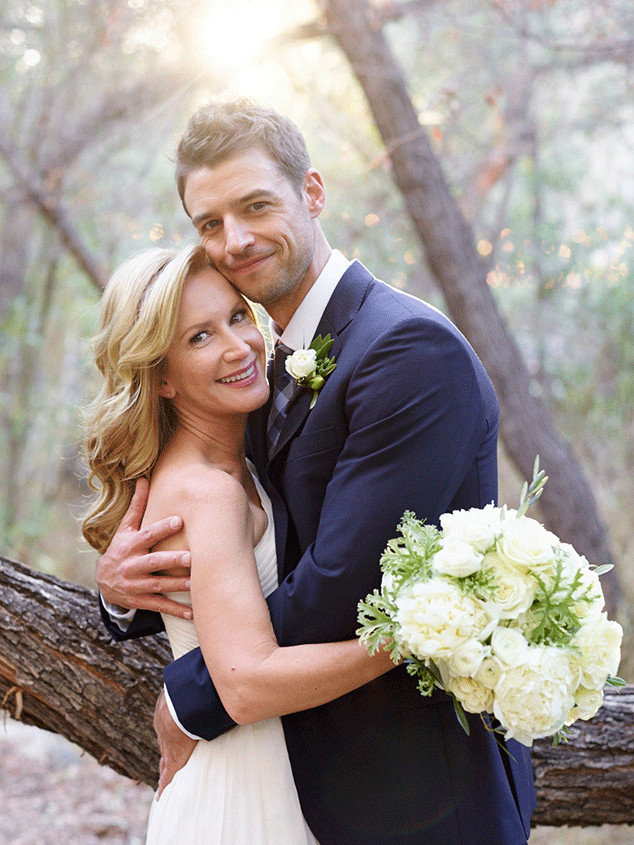 Angela Kinsey, Joshua Snyder, Wedding