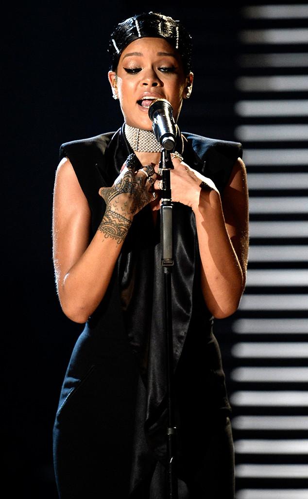 Rihanna, American Music Awards, 2013