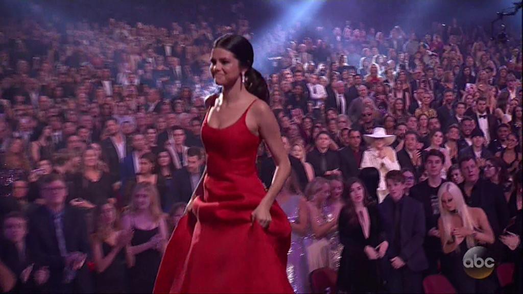 Selena Gomez, 2016 American Music Awards, AMAs