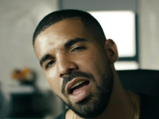 """Drake schwitzt zu Taylor Swifts """"Bad Blood"""""""