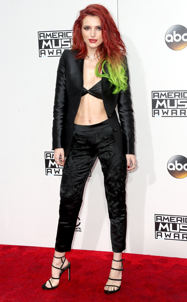 Bella Thorne, AMAs, 2016 American Music Awards, Arrivals