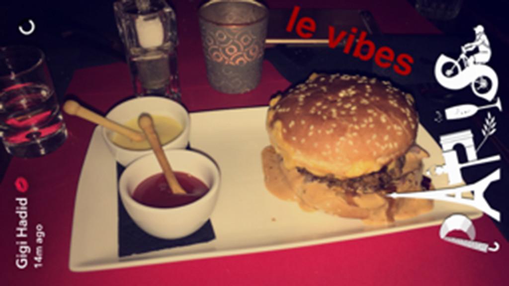 Gigi Hadid, Burgers, Paris France