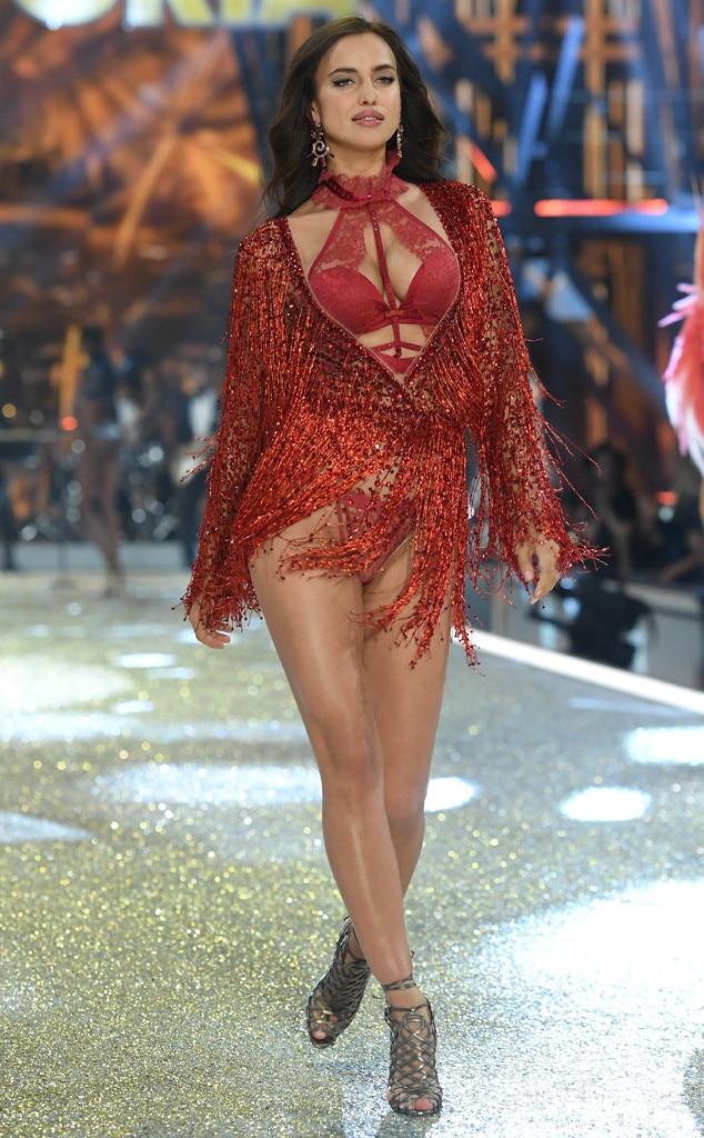 Irina Shayk, 2016 Victoria's Secret Fashion Show