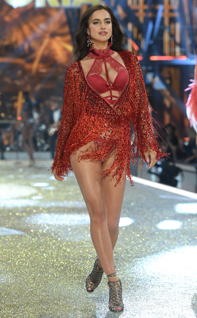 Irina Shayk, 2016 Victoria's Secret Fashion Show