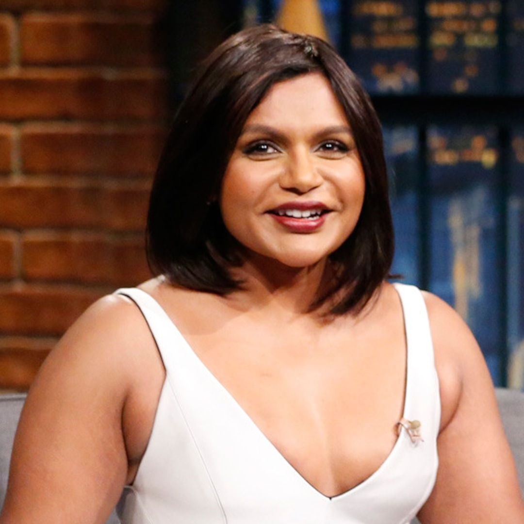 Mindy Kaling Invisible On Ocean S Eight Set People Think I M Sandra Bullock S Assistant E Online Uk