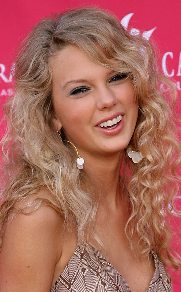 Photos From Taylor Swift S Hair Evolution E Online Ca
