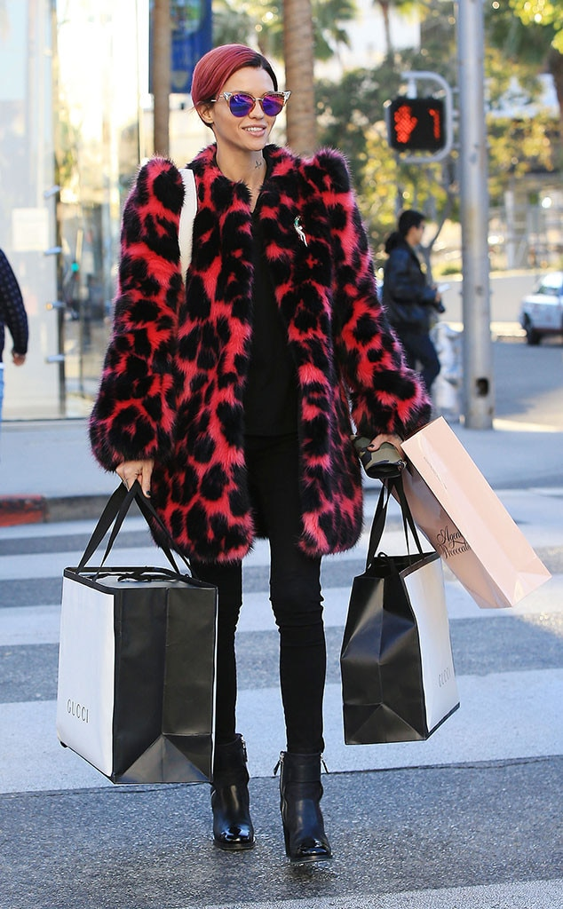 Celebs Holiday Shopping, Ruby Rose