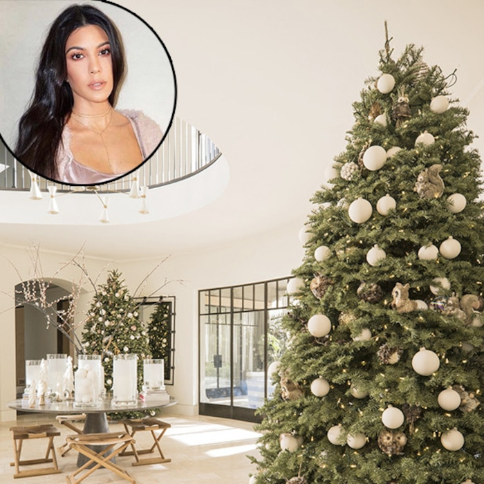 Everyone Gets a Christmas Tree in Kourtney Kardashian\'s House: See ...