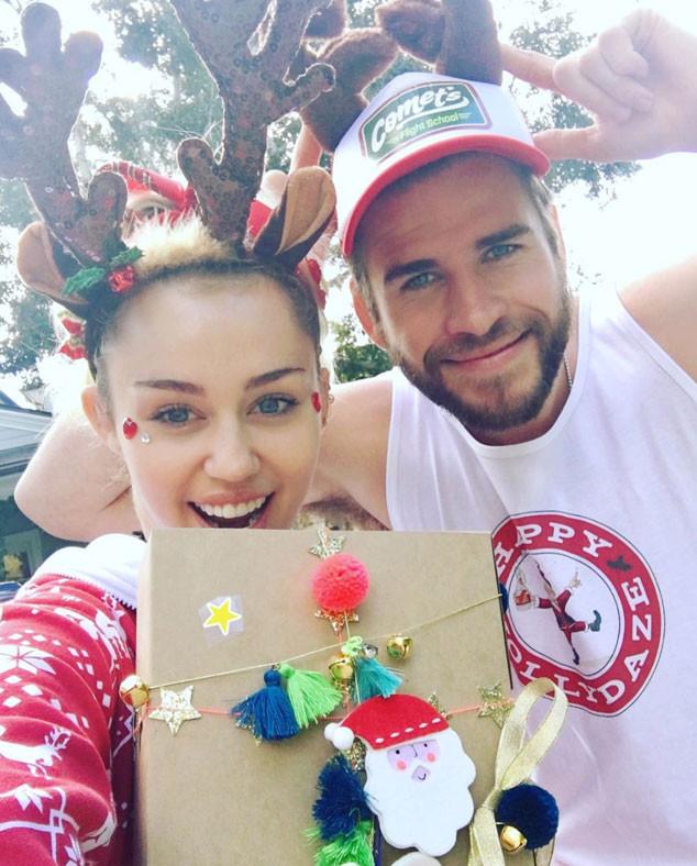 miley cyrus liam hemsworth christmas - Miley Cyrus Christmas