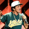 Bruno Mars, Jingle Ball 2016