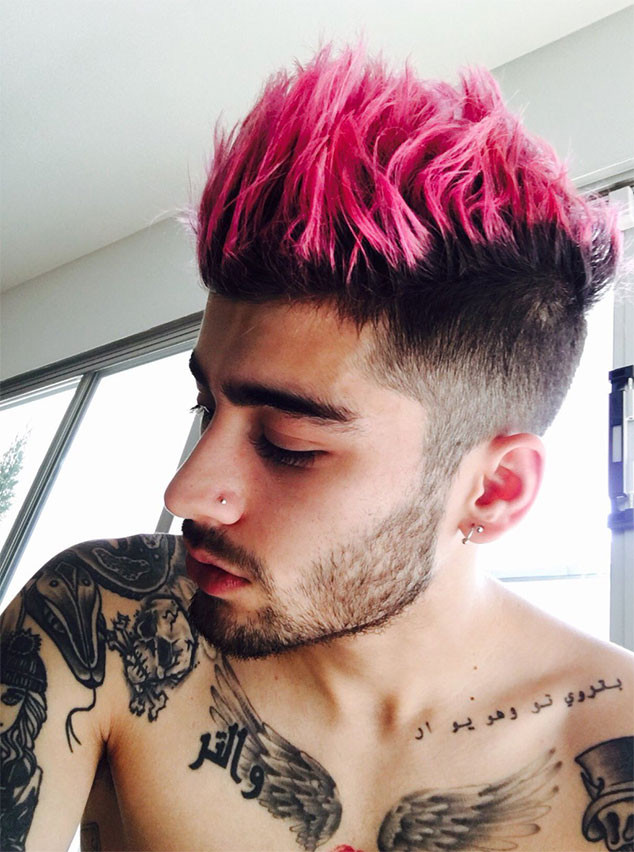 Zayn Malik Dyes His Hair Pink Before Valentine's Day | E! News