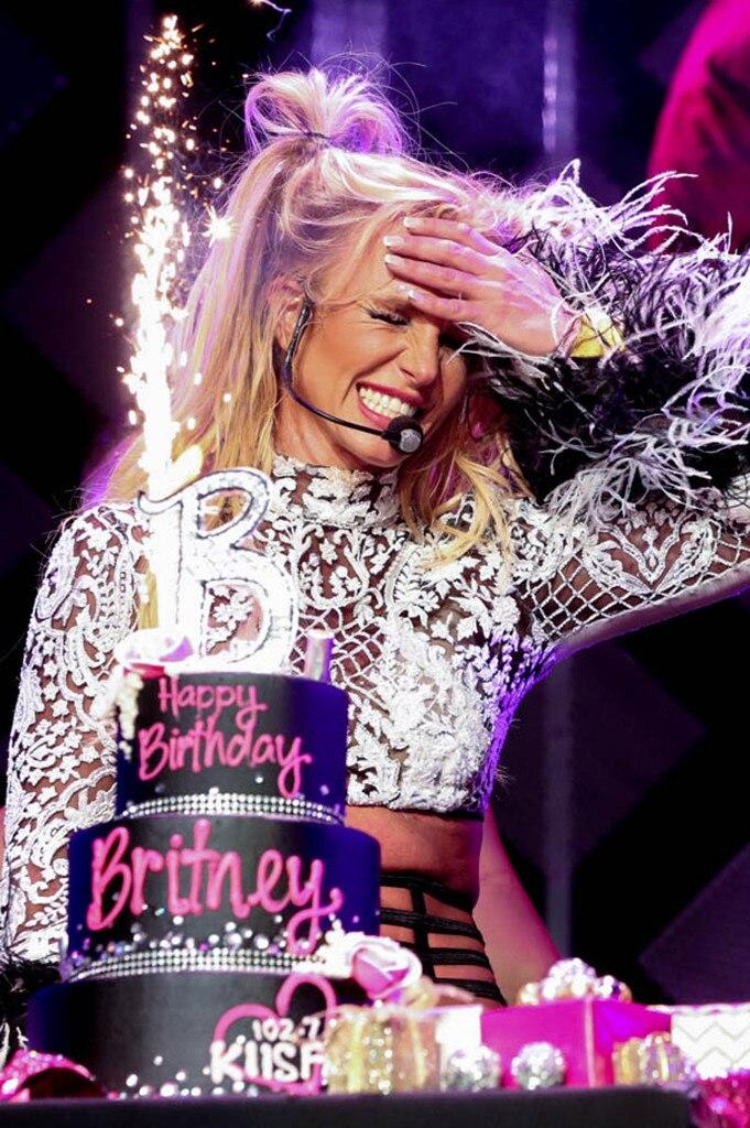 Britney Spears, Jingle Ball 2016, Show