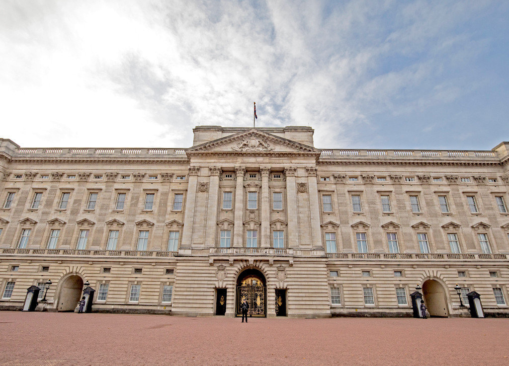 Craziest Royal Real Estate, Buckingham Palace