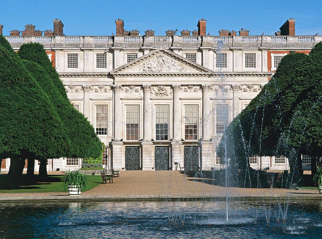 Craziest Royal Real Estate, Hampton Court Palace