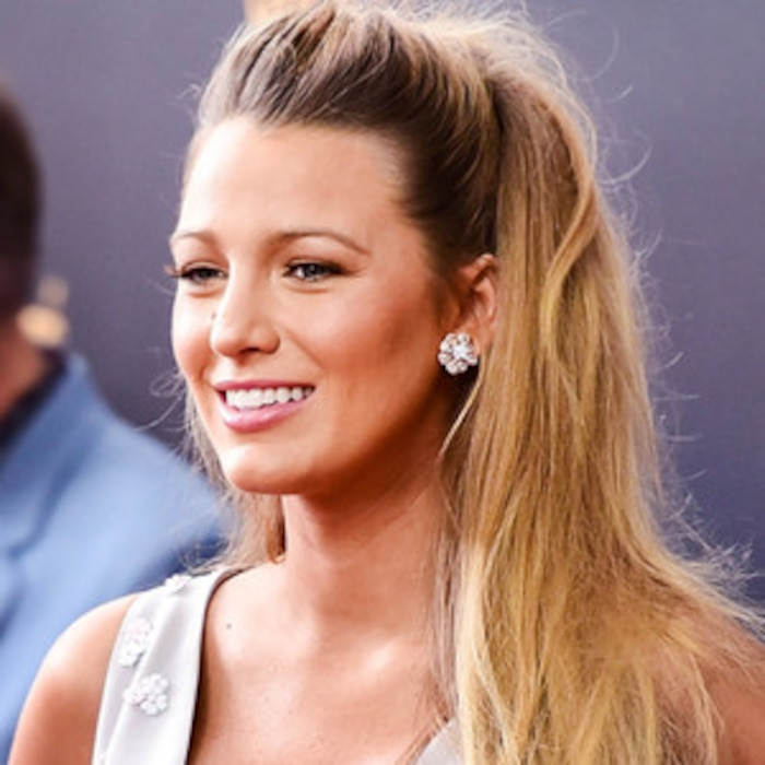 You Re Doing It Wrong How To Do The Half Up Ponytail The It Girl