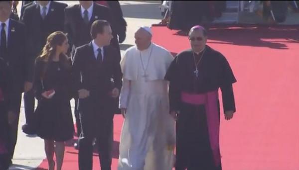 Anahi, Papa Francisco