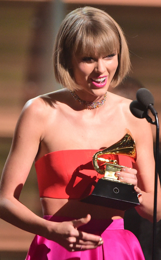 T Swift Slams Kanye During Acceptance Speech For Album Of The Year E Online
